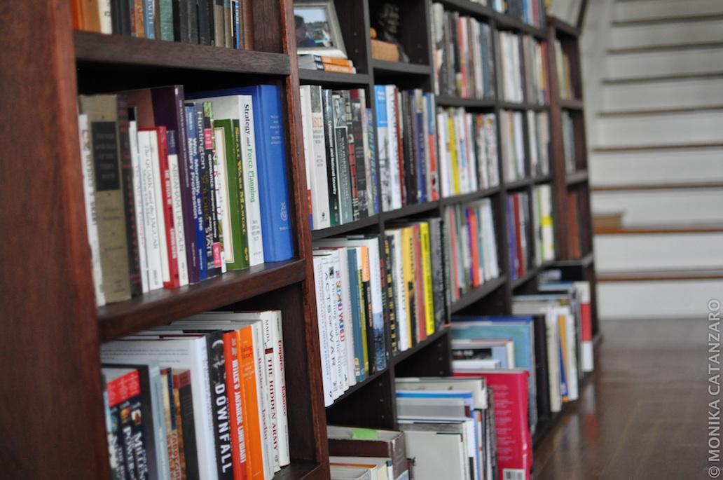 Books1032X685
